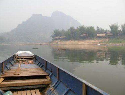 Laos – Mit dem Langboot auf dem Mekong zum Delta.